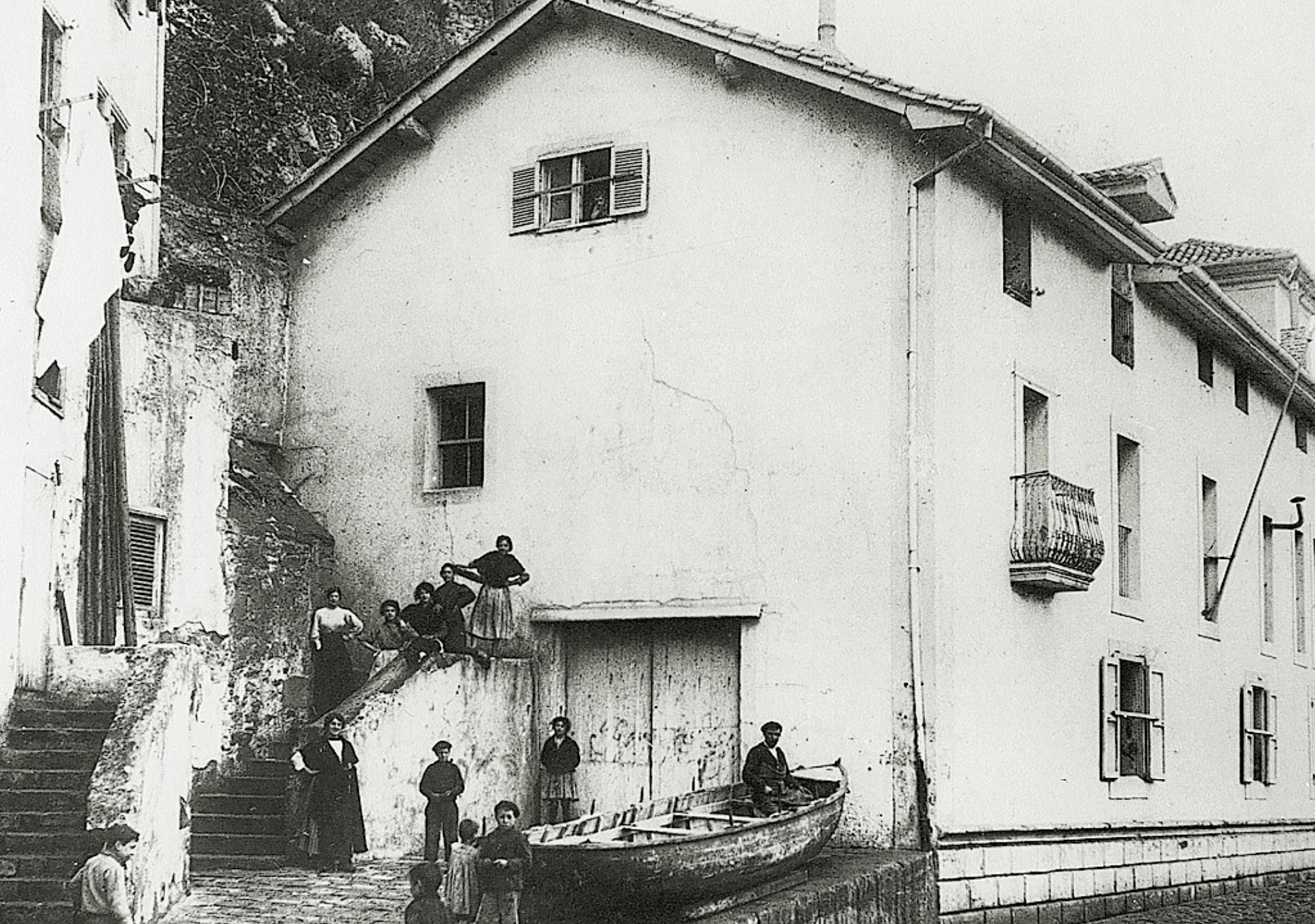 imagen antigua del edificio del museo